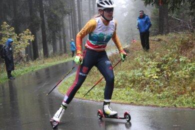 Auf der Rollerbahn in Mühlleithen hat Jenny Nowak schon Tausende Trainings-Kilometer absolviert. Der Alpencup war für sie der erste Wettkampf auf der Strecke und noch dazu ein sehr erfolgreicher.
