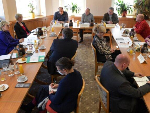 Deutliche Worte fanden Mitglieder des Wirtestammtischs Osterzgebirge im Gespräch mit Vertretern aus Sachsens Politik für die Situation der Hotels und Gastronomiebetriebe wegen des langen Lockdowns.