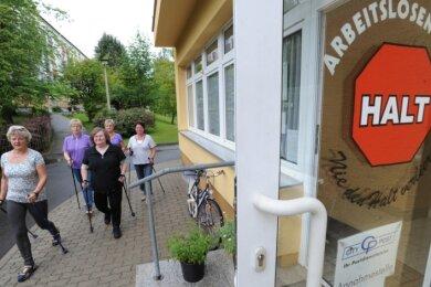 """<p class=""""artikelinhalt"""">Jeden Mittwoch startet Ute Rost mit der Nordic-Walking-Gruppe auf Tour. </p>"""