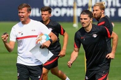 RB-Trainer Jesse Marsch (l.) und Kapitän Marcel Sabitzer, der nach seinem Fehlen beim Pokalspiel in Sandhausen wieder einsatzbereit ist. Um den Österreicher gibt es Gerüchte über einen Wechsel zu Bayern München.
