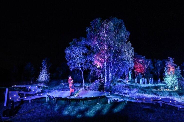 """Effektvoll illuminiert: Das ehemalige Silberbergwerk """"Alte Elisabeth"""" bietet eine fantastische Kulisse für Shakespeares """"Sommernachtstraum"""". Daran hat Sven Zimmermann aus Olbernhau einen gehörigen Anteil."""