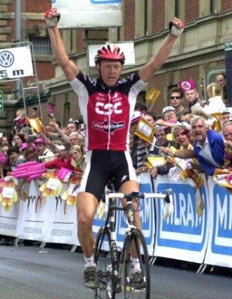 Jakob Storm Piil hat am 17. Mai 2001 die letzte Friedensfahrt-Etappenankunft in Zwickau gewonnen.