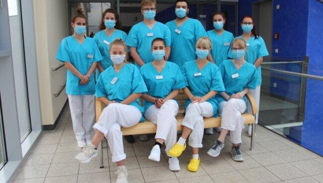 Zehn angehende Pflegefachfrauen und -männer haben am Klinikum Mittweida ihre Ausbildung begonnen.