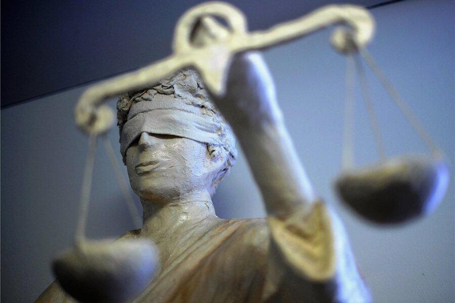 Eine Messerstecherei wird am Donnerstag vor dem Landgericht Zwickau verhandelt.