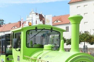 Die Silberstadtbahn mit Chauffeur David Matzig bei ihrer ersten Fahrt Mitte September.