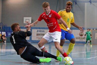 Der Hohensteiner Daniel Klima (Mitte) erzielte gegen die Mannschaft der Salomoneninseln zwei Tore. Am Ende hieß es 3:3.