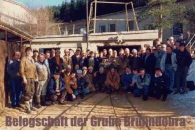 Die letzte Belegschaft bei der Schließung der Grube Brunndöbra am 31. Januar 1991.