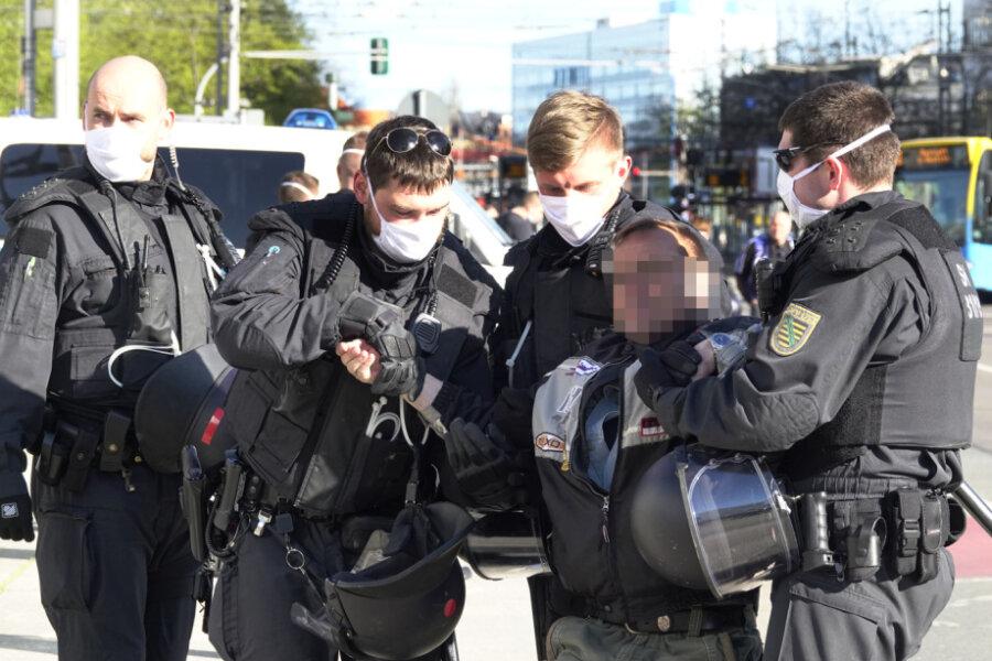 Pro-Chemnitz-Kundgebung findet unter massivem Polizeiaufgebot statt