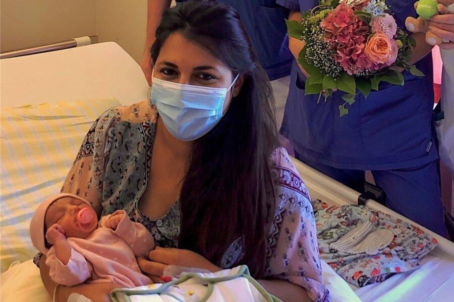 Elif Ronya Capik mit der glücklichen Mama Derya Capik.