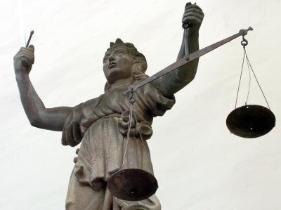 Haftbefehl mit Fluchtgefahr begründet