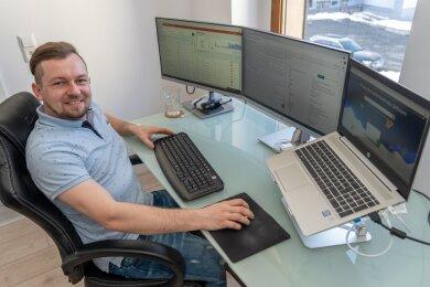 Patrick Studinski (30) ist Experte für das Marketing im Online-Bereich. Vor kurzem kehrte er aus Bayern zurück nach Auerbach, seine Firma sitzt in der Nicolaistraße, wo er ein Haus erworben hat.