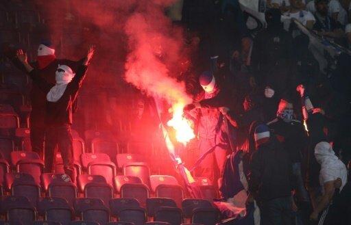 Die Rostocker Fans zündeten in zwei Fällen Pyrotechnik