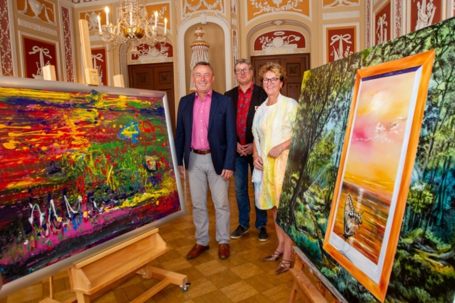 Plauener Ärztin schenkt Stadt zwei Gemälde