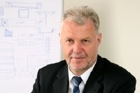 Dr. Dietmar Roth, Vorstands- vorsitzender der Roth & Rau AG