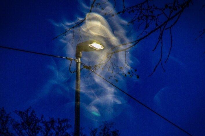 Lichteffekte: In Falkenau wurden entlang der Dorfstraße und Am Haltepunkt bereits sparsame LED-Leuchten montiert.