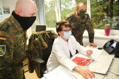 Monatelang war das Gesundheitsamt des Landratsamtes Mittelsachsen bei der Nachverfolgung der Kontakte von Corona-Infizierten auf Amtshilfe von der Bundeswehr angewiesen.