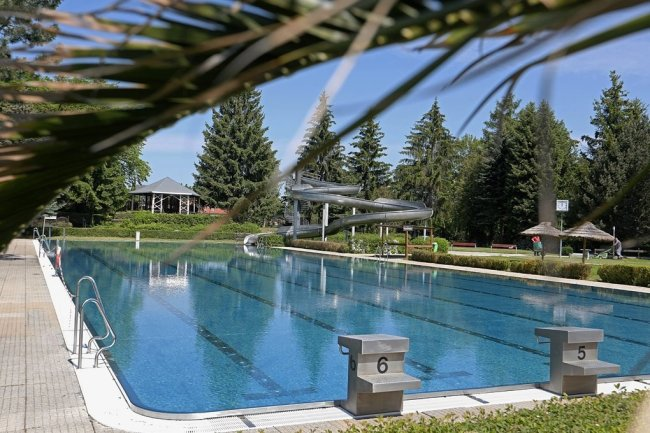 Startklar: Am Freitag beginnt die diesjährige Saison im Sommerbad in Glauchau.