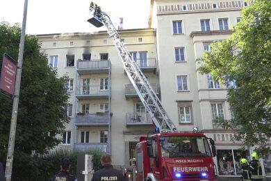 Auf der Annenstraße brannte es in einer Dachgeschosswohnung.