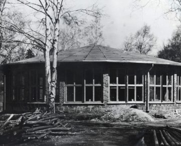 Nach Besuch des damaligen Staatschefs Walter Ulbricht wurde 1969 ein neuer Rohbau fertig.