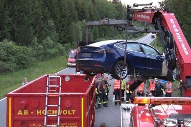 Der Tesla kam in einen Container.