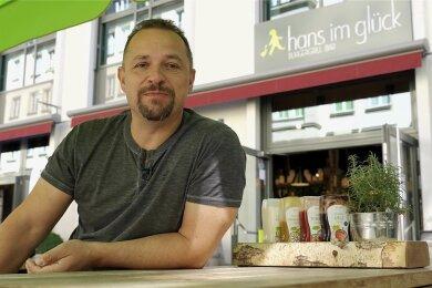 Fordert die OB-Kandidaten dazu auf, die Innenstadt attraktiver zu machen: Gastronom André Gruhle, der das Hans im Glück betreibt.