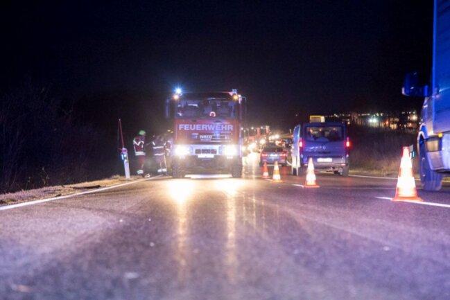 Die Polizei und die Feuerwehr wurden alarmiert und sicherten die Unfallstelle ab.