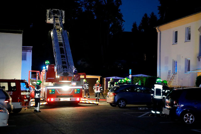 Zu einem Brand ist es am Montagabend in einem Wohnhaus an der Zwickauer Straße gekommen.