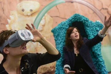 Felix Kraus und Bianca Kennedy in ihrer 3-D-Welt in der experimentierfreudigen Galerie E. Artis. Die gesamte Ausstellung ist online zu sehen.