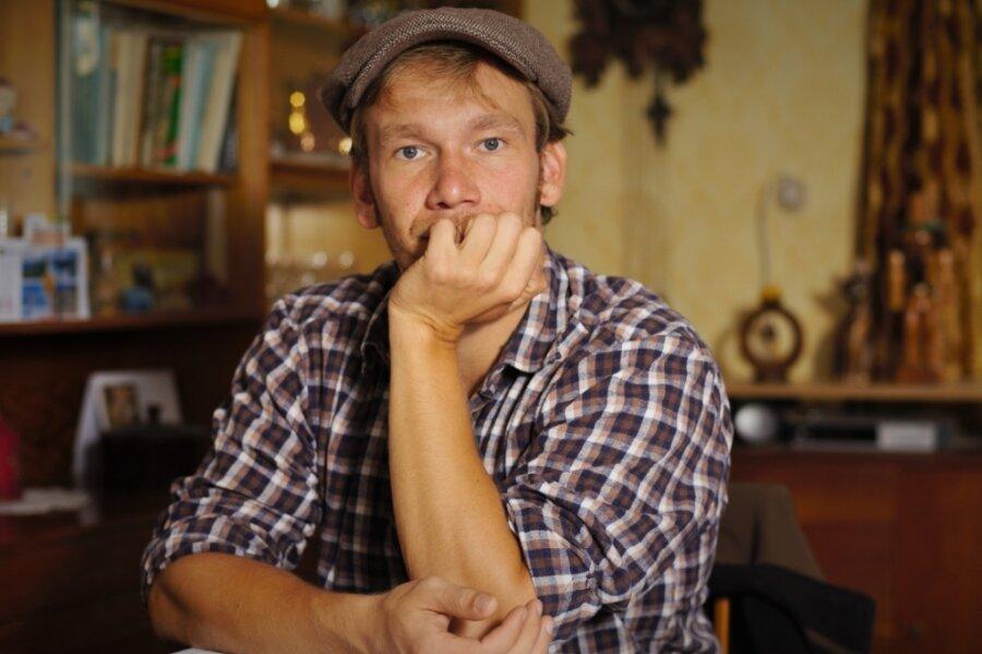 Simon Römer sucht in Tschechien Kontakt zu deutschen Heimatverbliebenen.