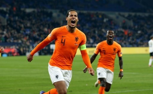 Verteidiger Virgil van Dijk trifft zum 2:2 Endstand