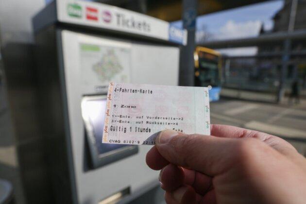 Ein-Stunden-Tickets können schnell verfallen, wenn beim städtischen Nahverkehrsbetrieb aufgrund der Personalnot ein Bus oder eine Bahn ausfällt. Auch der derzeit gültige Notfahrplan der CVAG kann dazu führen, dass das Zeitlimit des Fahrscheins überschritten wird.
