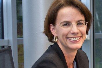 Angelika C. Bullinger- Hoffmann, Professorin