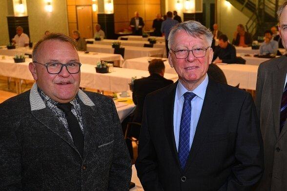 Bei der letzten ZWA-Versammlung mit Thomas Eulenberger (Mitte) als Verbandsvorsitzenden mussten er und Ulrich Pötzsch (l.) sowie Dirk Kunze (r.) noch einmal über Preis-Neukalkulationen debattieren.