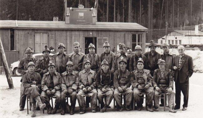 Die Bergleute der ersten Belegschaft der Grube im Jahr 1966.