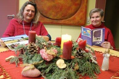 """Katrin Schlachte (links) koordiniert die Tätigkeiten im Zwickauer Hospiz """"Elisa"""". Petra Rödel arbeitet seit der ersten Stunde ehrenamtlich mit."""