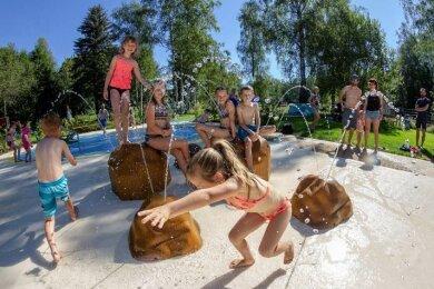 Am Samstag ist der neue Wasserspielplatz für die jüngsten Gäste der Anlage offiziell seiner Bestimmung übergeben worden.