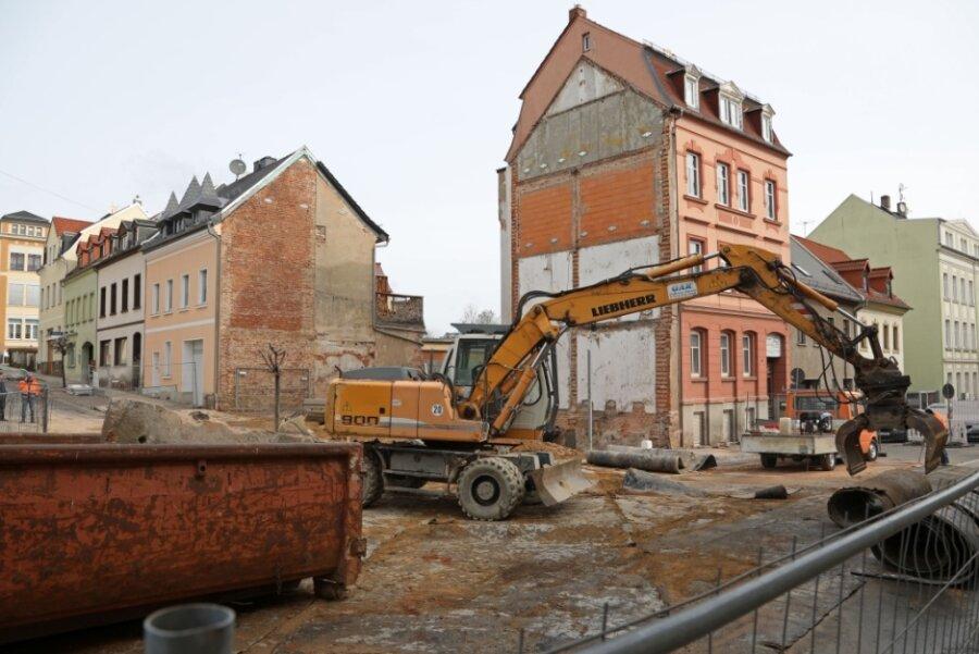 Auftrag beendet: Abrissfirma räumt auf Baustelle in Meerane auf