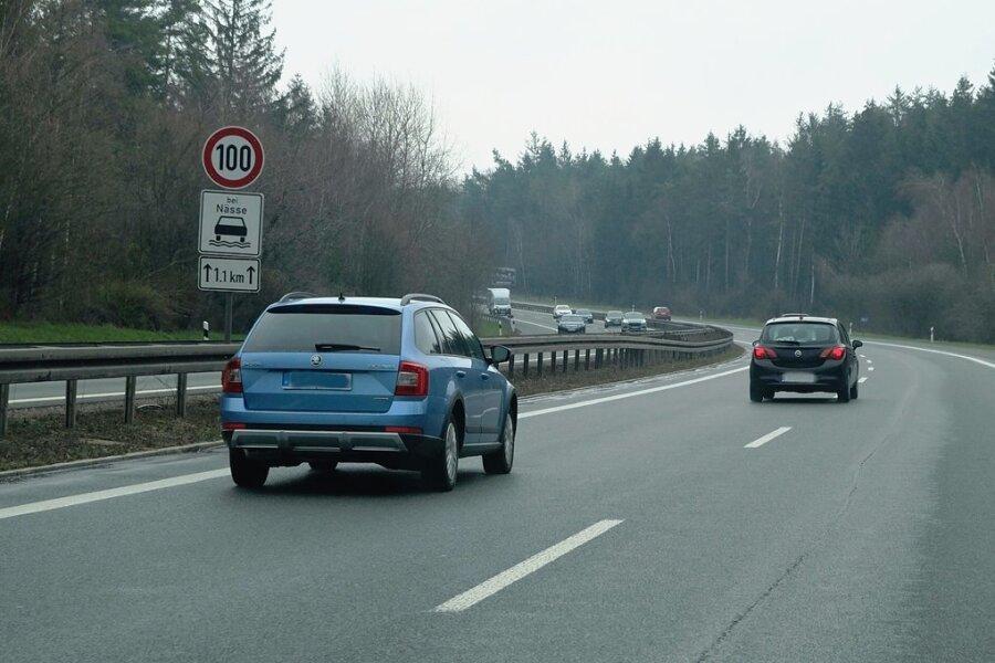 Auf der A 72 müssen sich Kraftfahrer ab Ende April zwischen den Anschlussstellen Reichenbach und Zwickau West auf Behinderungen wegen Bauarbeiten einstellen.