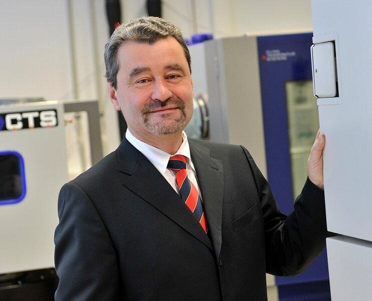 Professor Thomas Geßner arbeitet mit daran, dass Chemnitz als Standort der Mikro- und Nanoelektronik sowie Systemtechnik für Furore sorgt.