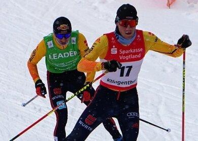 Der Klingenthaler Martin Hahn (vorn) mit Jakob Lange, der am Sonntag Dritter wurde und die Führung in der Gesamtwertung des COC verteidigte.