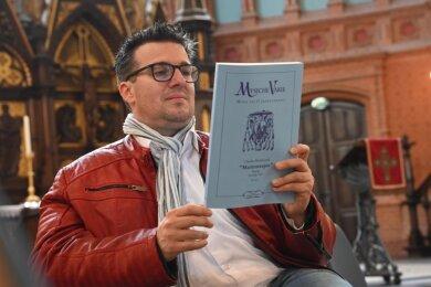 Kirchenmusiker Sebastian Schilling in der Markuskirche. Im Sommer beendet er seine Tätigkeit in der Gemeinde.