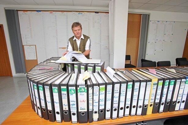 Im Juli 2013 präsentierte Kriminalhauptkommissar Jürgen Lorenz in Zwickauer die Akten zu den Ermittlungen.