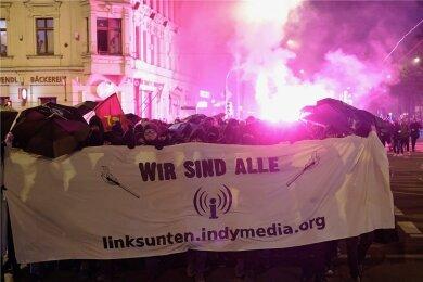 """Bundesweit wird für die Demonstration in Leipzig mobil gemacht. Zuletzt gab es ähnliche Aufrufe für die """"Indymedia""""-Kundgebung im Januar in der Stadt. Damals demonstrierten rund 1600 Personen."""