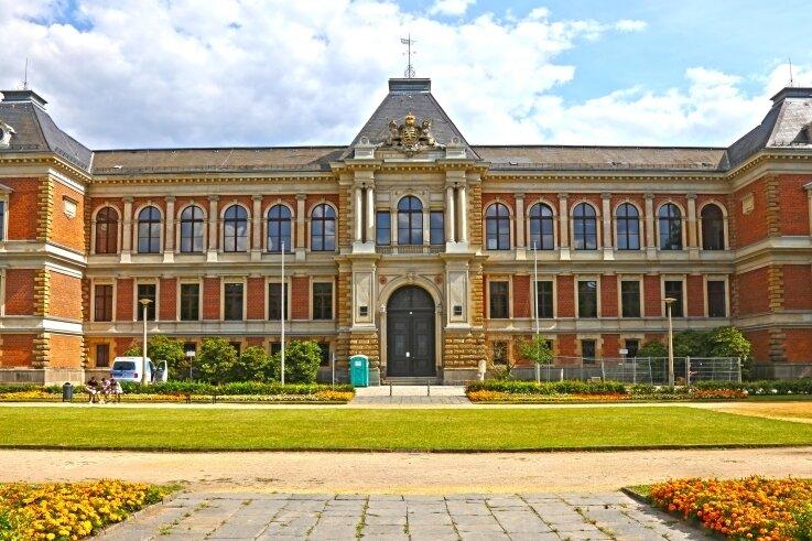 Das Landgericht Zwickau - wer spricht dort in Zukunft Recht? In zehn Jahren werden 15 der 22 Richter in Ruhestand sein. Aber die Anzahl der Bewerber in der sächsischen Justiz geht zurück.
