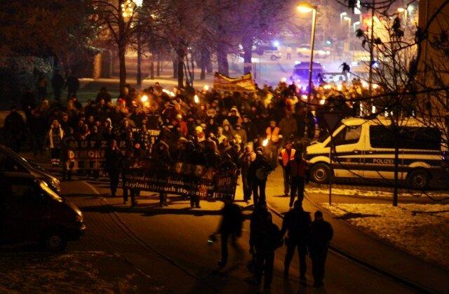 Rund 250 Menschen beteiligten sich am Samstagabend am vierten sogenannten Lichtellauf.