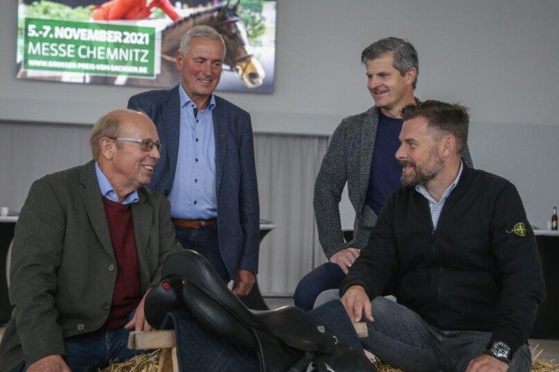 """Sie gehören zu den Machern des """"Großen Preises von Sachsen"""": die Turnierleiter Gerhard Bender und Henry Heckel sowie Jörg Hempel und Matthias Krauß (von links) von der Firma Krauß-Event. Mit der Veranstaltungsgesellschaft C3 organisiert sie die Veranstaltung vom 5. bis 7. November in der Messe."""