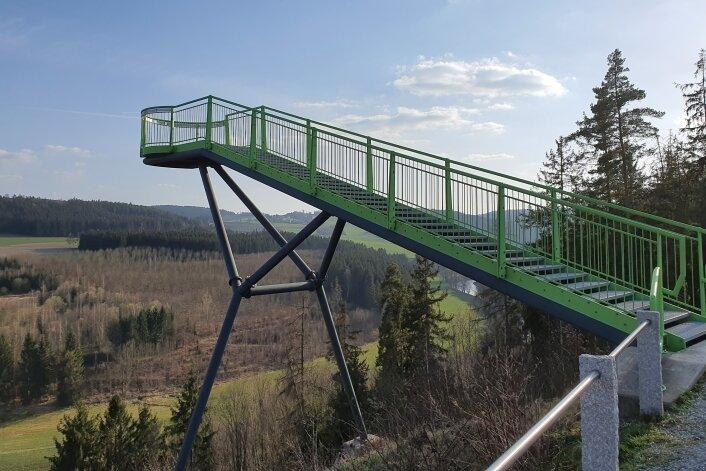 Die Aussichtsplattform Skywalk in Pottiga am westlichen Ende des Kammweges.