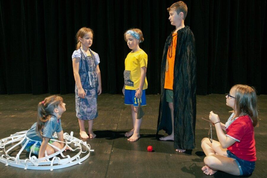 """Das Märchen """"Fünf Bohnen"""" führt die Kinderwerkstatt des Greizer Theaterherbstes auf."""