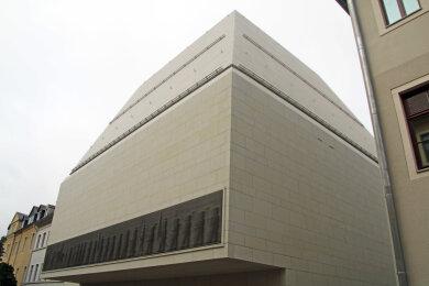 Der markante Neubau des Schloßplatzquartiers an der Prüferstraße mit dem wegen seiner Gestaltung viel diskutierten Bergmannszug.