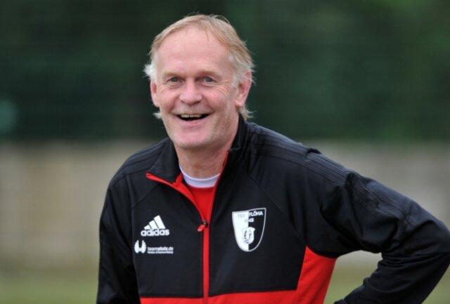 Hatte zuletzt nicht ganz so viel zu lachen: Flöhas Trainer Mirko Schwoy, dessen Team aber daheim wieder in die Erfolgsspur will.